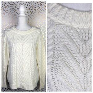 5/$25☀️ Joe Fresh Ivory Chunky Cable Knit Sweater